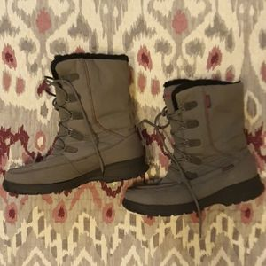 Kamik Winter boots, size 11. Grey and pink.